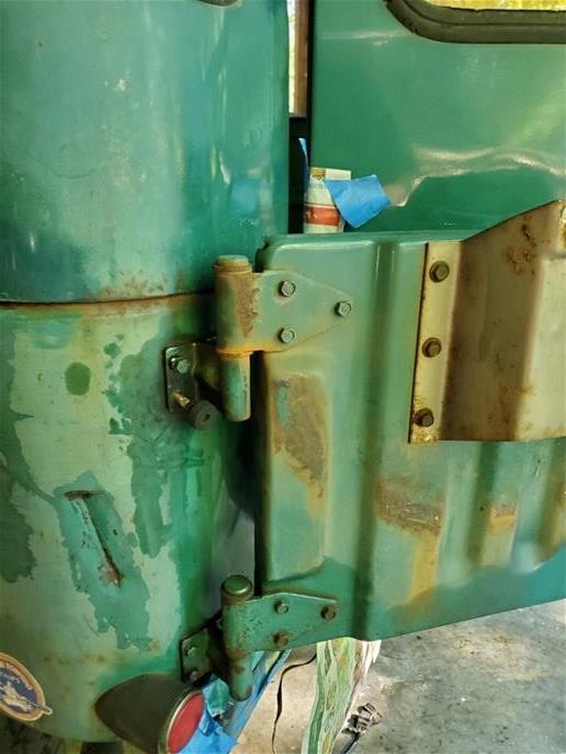 Figure 2 Rust on Land Cruiser